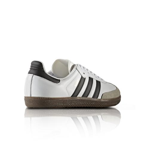 new concept a247b bbf41 adidas Originals Men s Samba OG White Black Sneaker