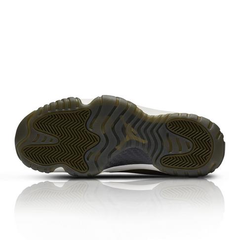 énorme inventaire 609f0 7bb6e Jordan Women's Air Jordan Future Olive Green/Khaki Sneaker