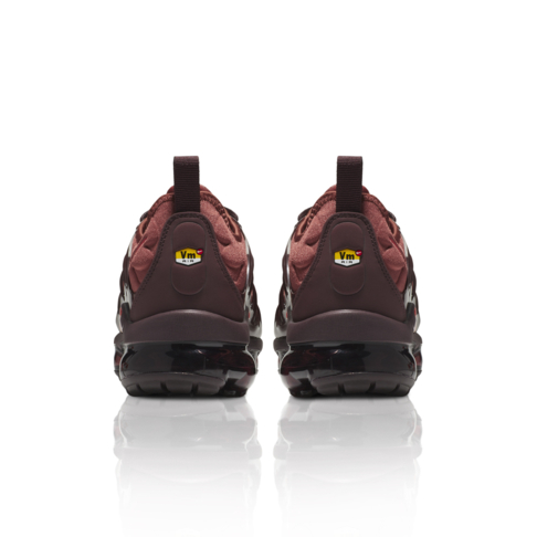 official photos 5a041 72c09 Nike Women's Air Vapormax Plus Red Sneaker