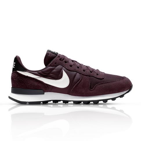 brand new d2b32 6ac69 Nike Women s Internationalist Burgundy Sneaker