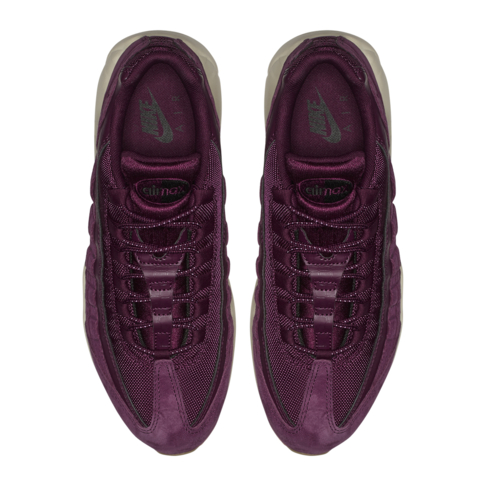 e2a186ffcb8 Nike Men s Air Max 95 SE Purple Sneaker