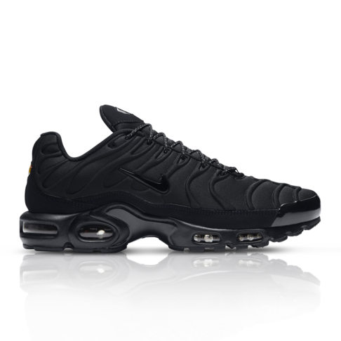 huge selection of ce341 ca648 Nike Men s Air Max Plus SE Black Sneaker