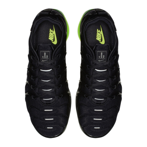 timeless design 1c920 7f0d3 Nike Men's Air Vapormax Plus Black Sneaker