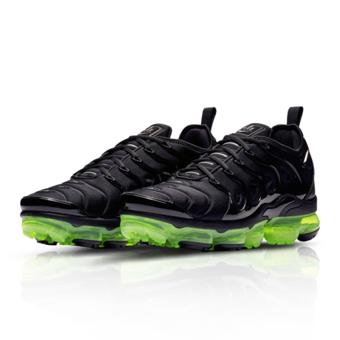 timeless design c856f 46cea Nike Men's Air Vapormax Plus Black Sneaker