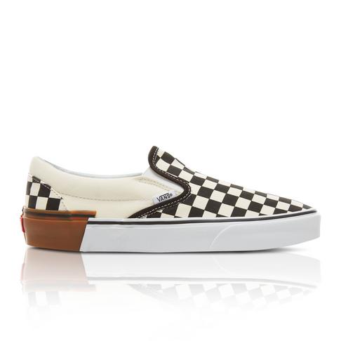 186ed4c93e Vans Men s Gum Block Classic Slip-On White Black Check Sneaker