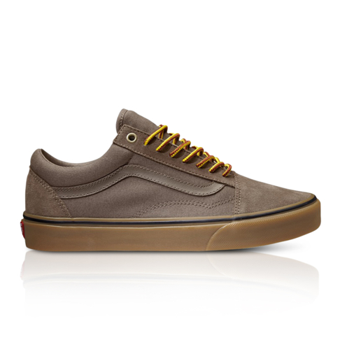 5c70159900 Vans Men s Suede Gum Old Skool Brown Sneaker