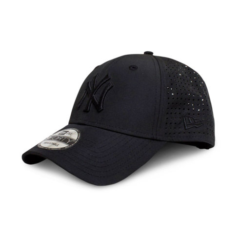 4c6be406142b64 New Era New York Yankees 9Forty Feather Perf Black Cap